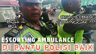 Video Polisi : Bisa Terbang Dia (Ambulans) Nggak ??? | Escorting Ambulance #3 MP3, 3GP, MP4, WEBM, AVI, FLV November 2018