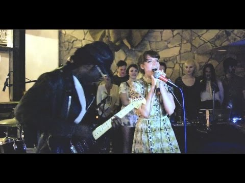 Florence &amp; The Machine &amp; Dev Hynes 'Hitchin' A Ride' (Green Day cover)