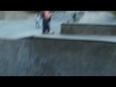 Redneck skateboarding at Harrisburg skatepark