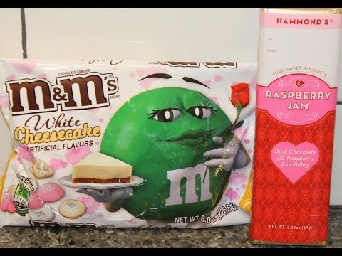M&M's White Cheesecake and Hammond's Raspberry Jam Candy Bar Review
