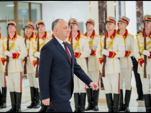 Igor Dodon a înmînat înalte distincții de stat