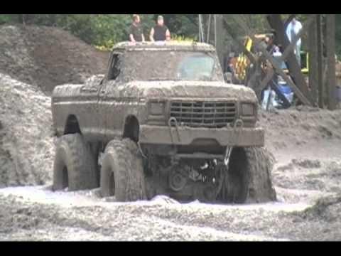 4x4 Mud Truck Roll Over at wallington Bog & Grog Sept 2010
