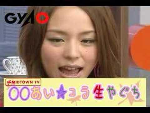 「[TV]声優・平野綾がテレビで見せた「投げキッス」。」のイメージ
