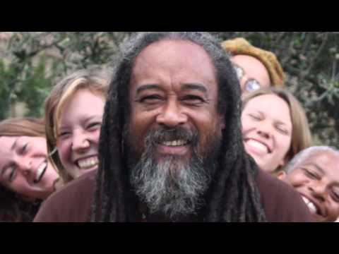 Mooji Moment: Mooji Sings In Devotion to the Lord of the Universe