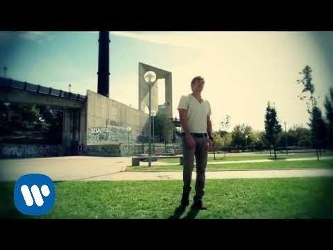 Las Cosas Que No Me Espero - Laura Pausini (Video)