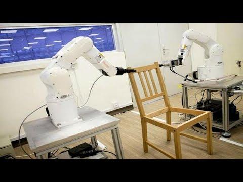 العرب اليوم - شاهد: كيف تقوم روبوتات إيكيا بتركيب كرسي