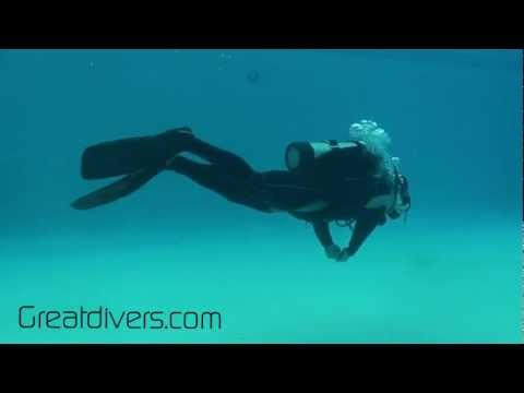 Frog Kick: How to Master doing the Scuba Frog Kick