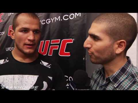 Junior Dos Santos Will Look to Attack Roy Nelsons Big Belly