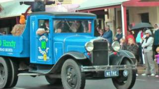 2009 Kernewek Lowender Moonta Parade part 1 [SD] http://www.chrysler-restorers-sa.org.au/