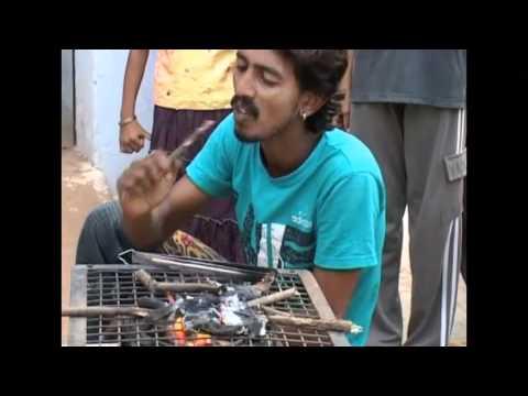 video que muestra a una persona comiendose unas brasas