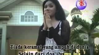 Keramat (klip)-Ratna Antika-MAHKOTA.mp4 Video