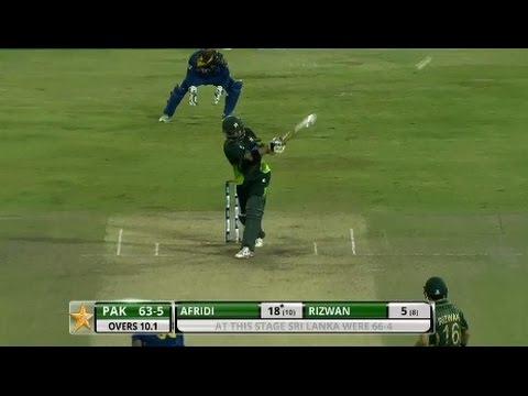 Terrific shot for six by Upul Tharanga in the first over of the innings (2011)