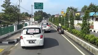 Purwakarta Indonesia  City pictures : White Car Indonesia keliling pusat kota Purwakarta