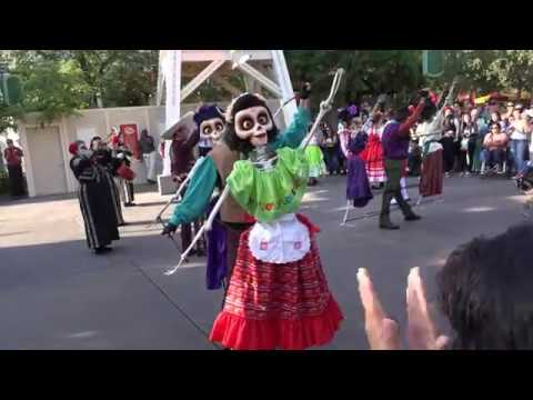A Musical Celebration Of 'Coco' - FULL SHOW 2017 At Disney California Adventure Park