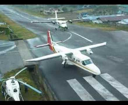 www.tnepal.com - One of the busy airports in the world! Landing and Take-off at Lukla are very interesting and exciting!!! 世界最危險機場第一位.