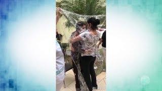 Cortina de plástico ajuda familiares a matar saudade de idosa em Sorocaba
