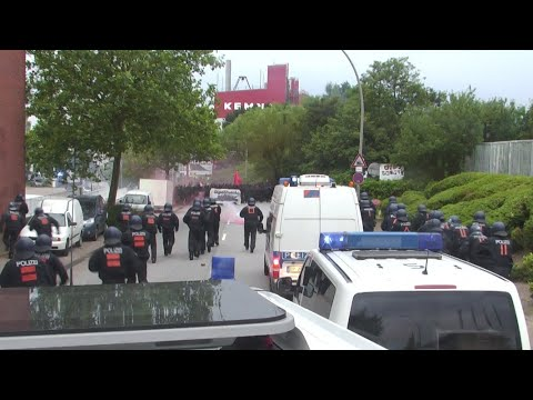 Mitgegangen - mitgefangen: Streit um Demo-Recht bei G ...