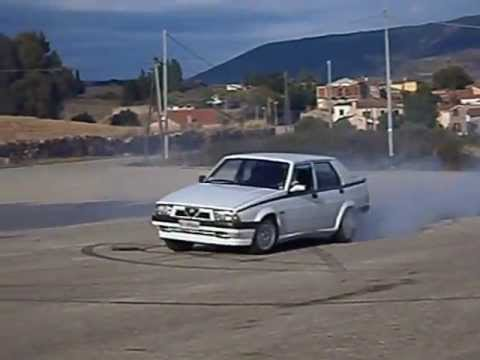 drift e burnout con un' alfa 75