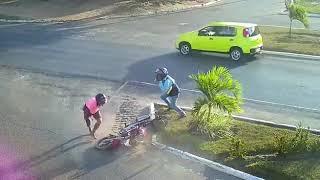 Mototaxista baleado em assalto