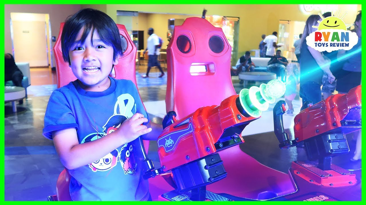 Ryan plays fun arcades Games at Main Event!!! - YouTube