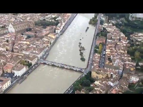 Ζημιές εκατοντάδων εκατομμυρίων ευρώ από τις πλημμύρες στην Ιταλία…
