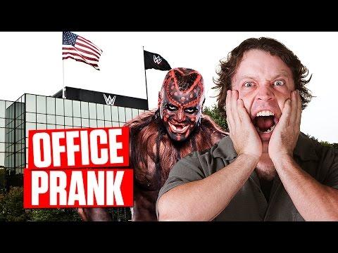 SCARE PRANK: Boogeyman at WWE Headquarters! 25 October 2014 06 PM