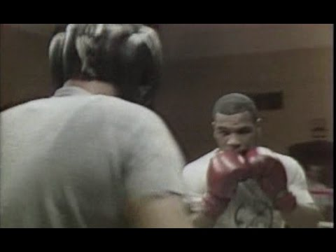 Mike Tyson - No Headgear Spars Training -  Catskill