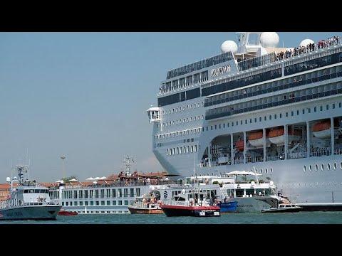 Βενετία: Κόβει την ανάσα η σύγκρουση κρουαζιερόπλοιου με σκάφος…