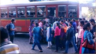 XxX Hot Indian SeX See How Women Get In To Crowded BEST Bus During Peak Office Hours Mumbai India 2015 HD VIDEO .3gp mp4 Tamil Video