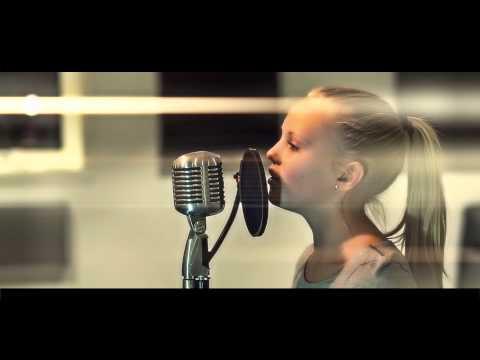 Tekst piosenki Zaga Rehn - En Annan Värld po polsku