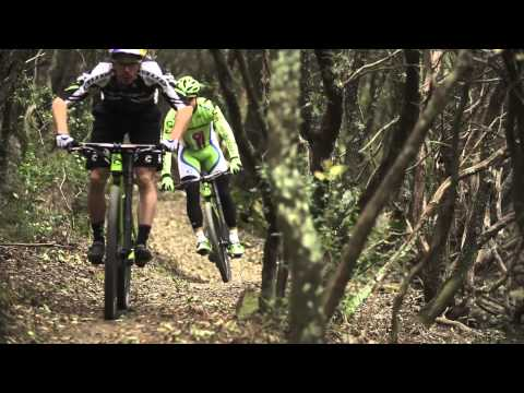 Peter Sagan shows off mountain bike skills: video