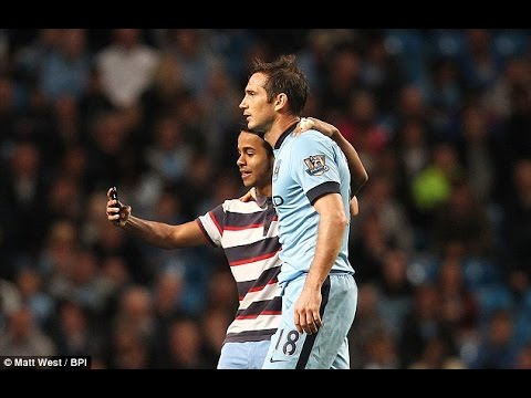 Frank Lampard poses for selfie with fan