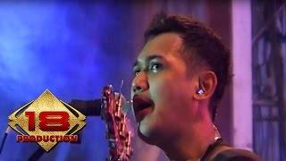 Bondan & Fade 2 Black - Tetap Semangat  (Live Konser Denpasar bali 21 September 2013)