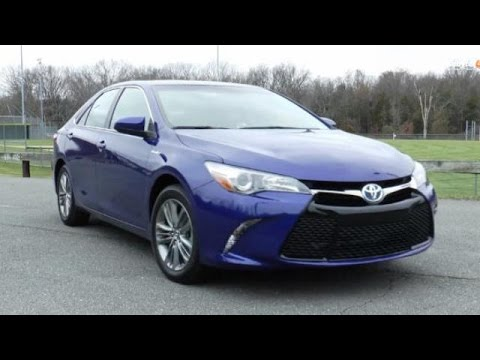 2015 Toyota Camry Hybrid SE Video Review