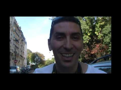Dédicace du comédien marocain Sam Touzani à Jamel Debbouze