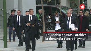 La justicia brasileña decidió archivar la denuncia contra Neymar. Un triunfo para el delantero que aún no define si seguirá en el Barcelona o jugará en el París Saint Germain.