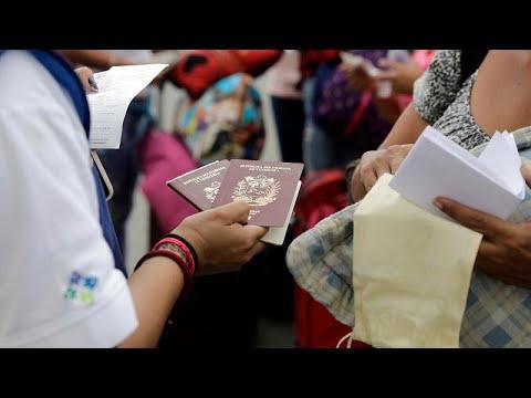 Peru/Equador: Venezolanische Flüchtlinge ohne Visa hängen an der Grenze fest