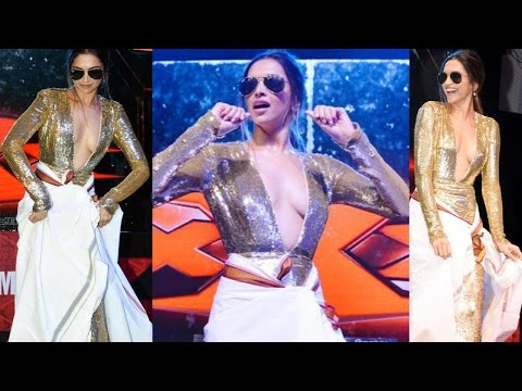 Video Deepika Padukone Dance on Lungi Dance Song download in MP3, 3GP, MP4, WEBM, AVI, FLV January 2017