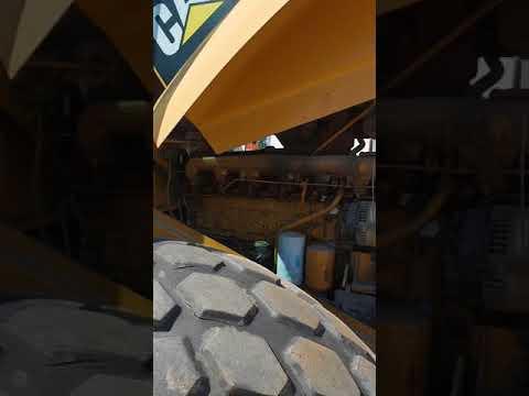 CATERPILLAR VIBRATORY SINGLE DRUM SMOOTH CS-583E equipment video DyUnf6YeJ90