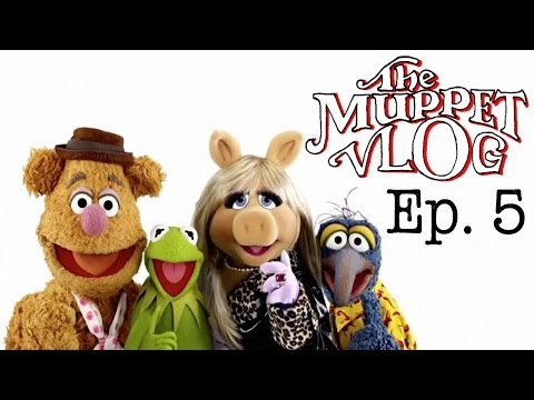 The Muppets (2015) Ep. 5: Walk the Swine - The Muppet Vlog
