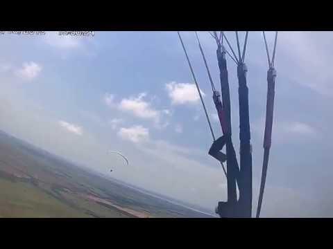 Voo de parapente em Terra Rica - Tirando do chão  - 17/10/16 - Gabriel d'Avila