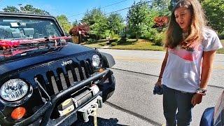 Video She Crashed My Jeep MP3, 3GP, MP4, WEBM, AVI, FLV Oktober 2018