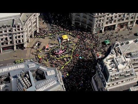 Großbritannien: Fast 600 Festnahmen bei Klimaprotesten in London
