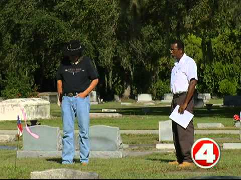 Fort Myers Cemetery defends record-keeping, plans to go digital