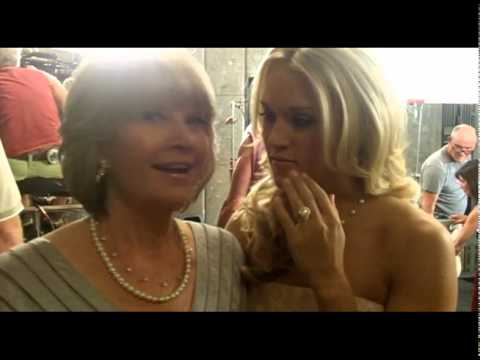 Carrie and her Mom behind the scenes at Mama's Song