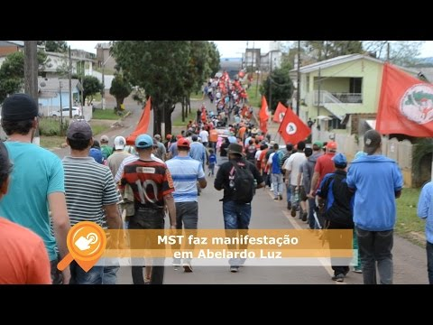 MST faz manifestação para permanecer em área de terra