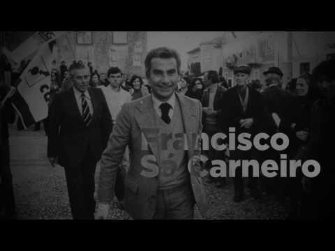 Cerimónia de condecoração de Francisco Sá Carneiro