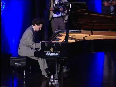 Pianist Evgeny Kissin Begrüßungszeremonie Led  's Honorary fühlten 'von