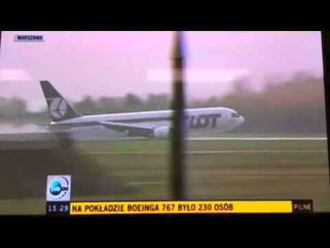 Lot - LOT Boeing 767 from Newark to Warsaw Emergency Landing with no landing gear 11.1.11 You must see this video, from inside the plane: http://www.youtube.com/wa...