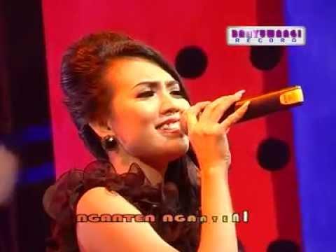 Suliyana   Kangen Setengah Mati by: yendri